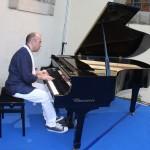 Lorenzo al Piano3@120622