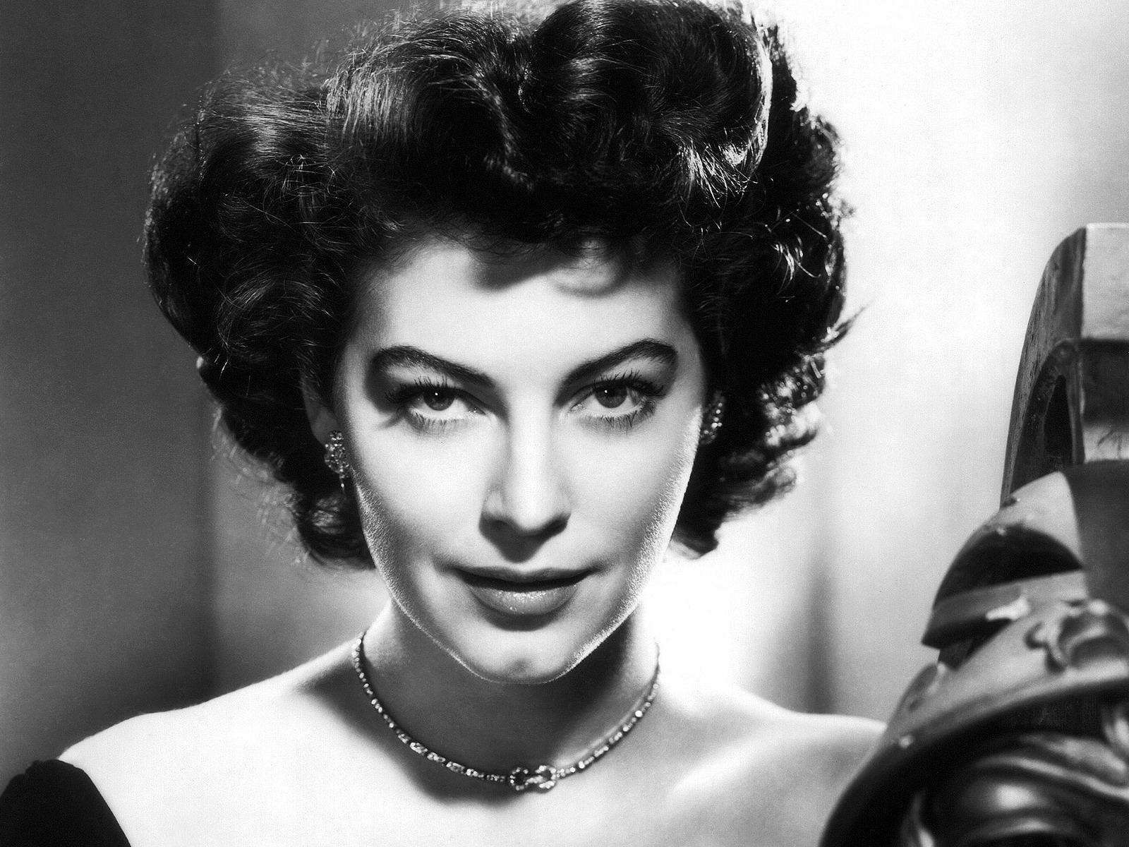 Le 35 donne pi belle di sempre - Dive anni 40 ...