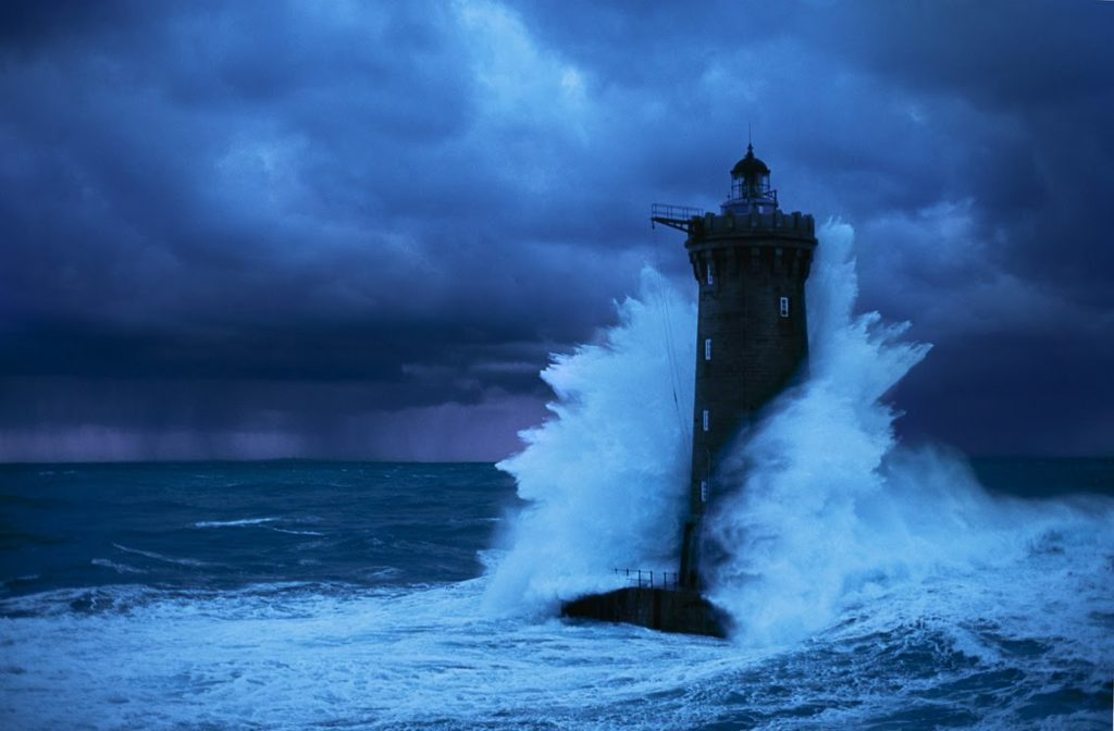 senso della vita ricerca della felicità tempesta
