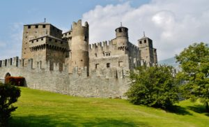 i posti più belli della valle d'aosta castello di fenis