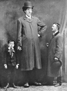 Gli uomini e le donne più alti del mondo - Edouard Beauprè